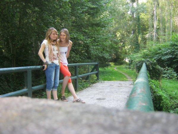 Plusieurs personnes entrent dans notre vie, seuls les vrais amis laissent une empreinte dans notre coeur