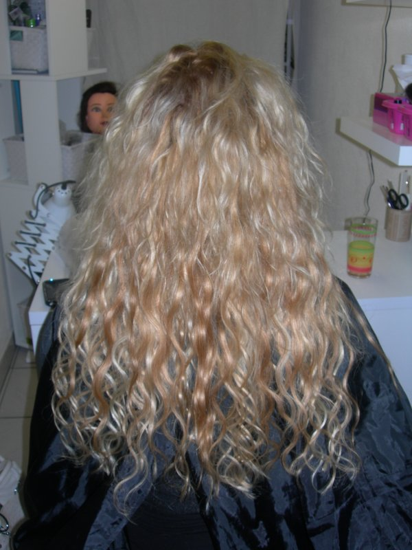 pose de 110 extensions blond clair et blond foncé