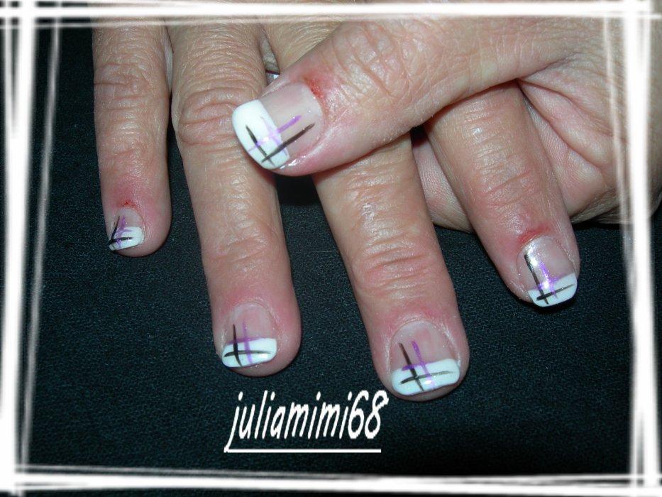 nail art , french manucure, extensions et nattes plaquées..;