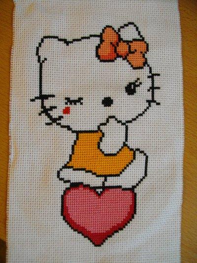 Un modele hello kitty mes creations point de croix - Modele hello kitty ...