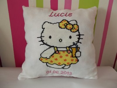 coussin hello kitty