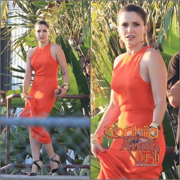 19/08/2012: Sophia était présente aux Do Something Awards.Elle est tout simplement sublime, même si je n'aime pas trop sa robe Olcay Gulsen, donc pour sa tenue je dirais un Bof !