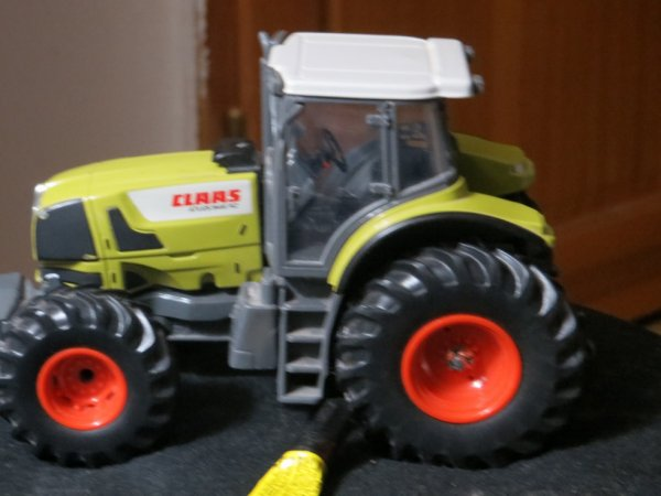 tracteur class fini a 4 roue