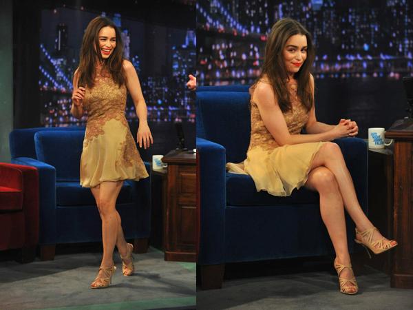 01.04.13 - Emilia était présente sur le plateau de Jimmy Fallon. Comme à son habitude elle était radieuse. C'est un top pour moi !