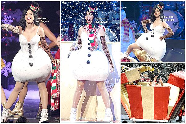 """05/12/10 Katy Perry  a mis feu au KIIS FM Jingle Ball 2010 à Los Angeles. Elle y a chanté ses tubes.   K' a ensuite fait une apparition surprise pour l'association """"Trevor Project"""". Elle a rejoint Darren Criss sur Teenage Dream."""