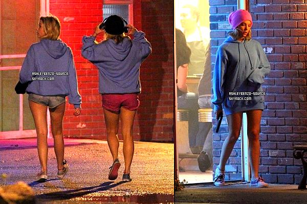 15/03/12: Ashley et ses co-stars tournant une des scène du film