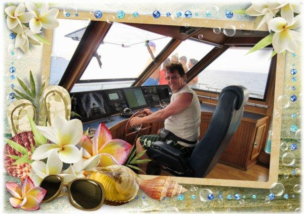 Mon mari pilote le bateau