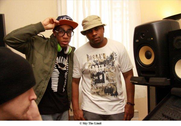 Une journée de studio en compagnie du producteur Quron de Los Angeles. Ce fut une super expérience, le morceau et le clip arrivent cette semaine. Merci à Chris Enja et Kopdas de Sky The Limit sans oublier Claire.
