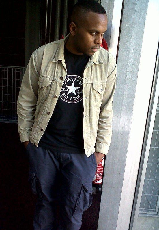 Rétrospective Raplike.com écrite par Diomay HIMSELF. Le MC y revient sur l'intégralité des clips de son album 90BPM. Premier album de rap français entièrement clipp