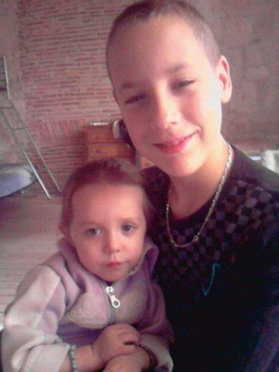 moi et ma petite soeur<3!!!!!!!!!!!!!