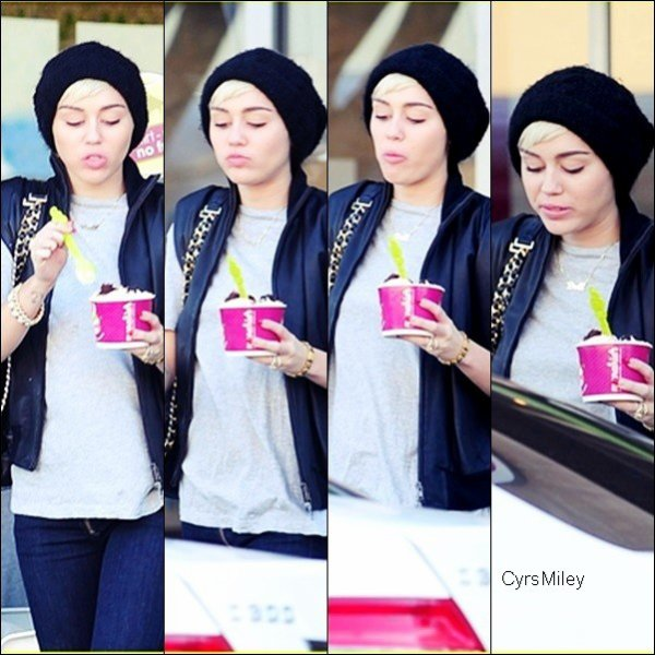 Le 28/04/2013 Miley à été vue sortant du Menchie's avec son amie Denika à Studio City