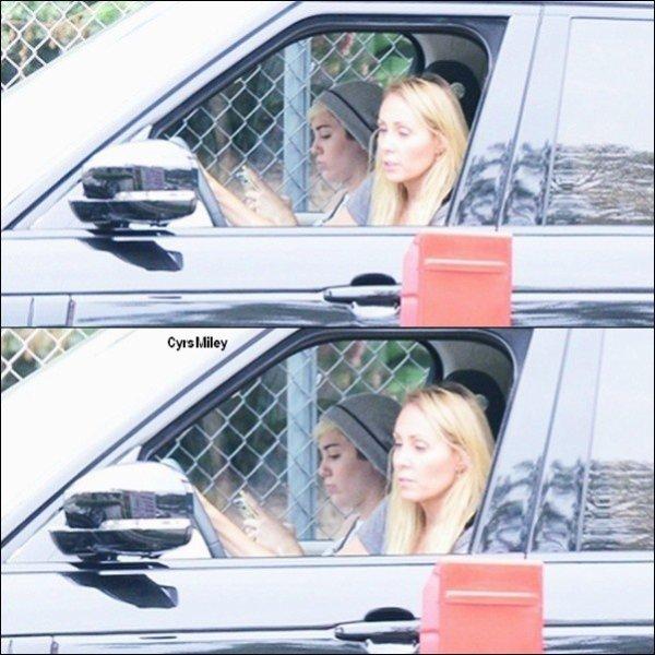 Le 09/05/2013 Miley à été vue allant dans un studio a Hollywood