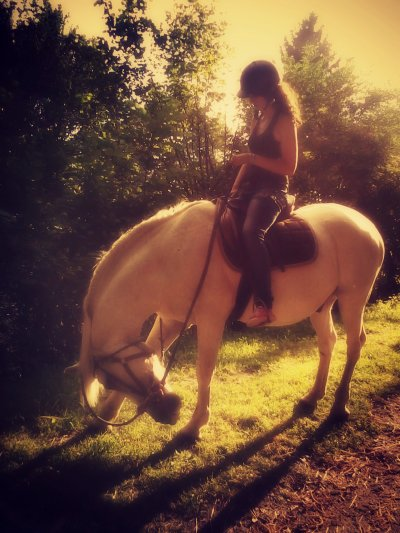 Chaque personne qu'on s'autorise à aimer, est quelqu'un qu'on prend le risque de perdre. ♥.