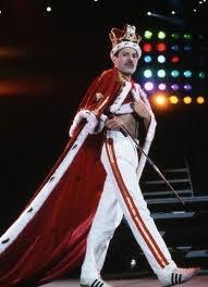 Freddy Mercury (queen) le disjoncter du rock et le plus marrant