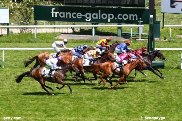 lundi 19 mai 2014 saint cloud plat 16 chevaux résultat 6 7 10 2 3