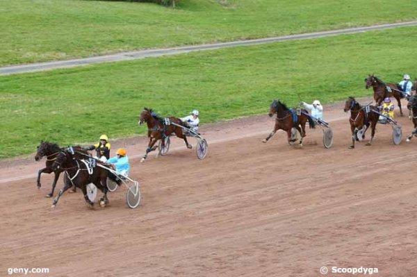 demain mercredi 18 mars   2015  agen trot attelé  avec 18 chevaux résultat du quinté 2 4 15 9 16