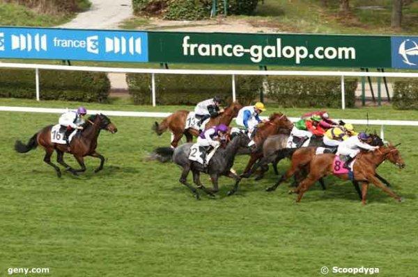 samedi  28  mars  2015  -  saint cloud  16 chevaux plat 1600 mètres