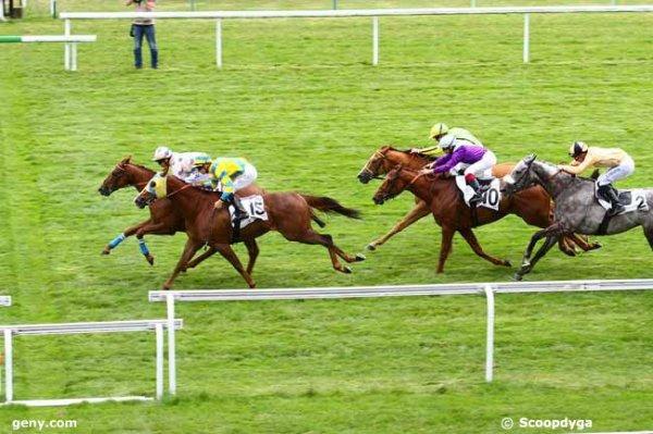 mardi 23 juin 2015 maisons-laffitte ligne droite plat 1200 mètres 18 chevaux a vos marques arrivée 14 15 4 10 2