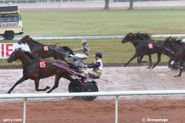 mardi 7 juillet 2015 chateaubriand - trot attelé  3000 mètres 18 chevaux résultat 15 16 6 3 5