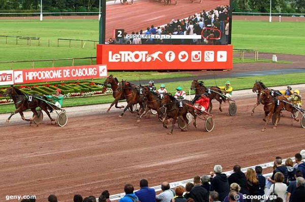 arrivée compiègne jeudi 16 juillet 2015 - 3 2 12 1 10 -demain vendredi cabourg nocturne 20h30 16 chevaux trot attelé