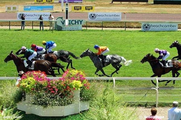 jeudi 23 juillet 2015 plat a vichy  16 chevaux distance de 2400 mètres non partant le cheval numéro 8
