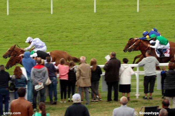 lundi 27 juillet 2015  plat avec 16 chevaux clairefontaine arrivée 14 5 9/11  7