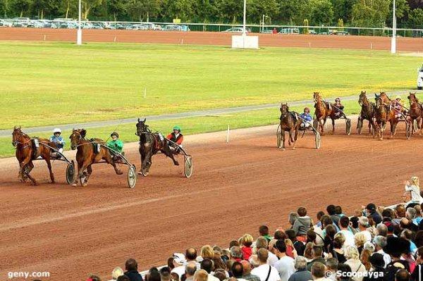 vendredi 7 août 2015 à 20h25 trot attelé cabourg 16 chevaux meilleures cotes 15 12 3 11 5 16...arrivée 12 15 5 4 3
