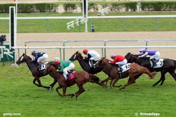 mardi deauville plat 2500 mètres avec 18 chevaux prix de barneville départ à 13h50 résultat 11 1 4 13 7