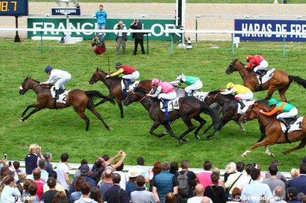dimanche 16 août 2015 - deauville plat 16 chevaux 1600 mètres non  partant le 12 résultat 2 3 14 15 8