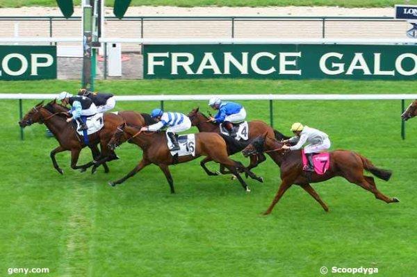 lundi 31 août 2015 - longchamp plat 2000 mètres grande piste  16 chevaux  arrivée 1 6 16 4 7