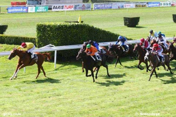 lundi 7 septembre 2015 CRAON Plat 16 chevaux 2400 mètres les cotes de ce matin 9 4 2 6 7 10 11 16...