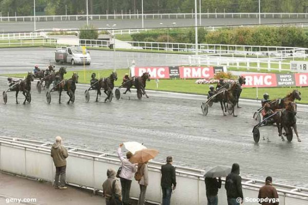 samedi  12  septembre  2015  -  vincennes  18 chevaux trot attelé quinté a deux balles ?????