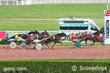 lundi 12 octobre trot attelé avec 16 chevaux à ENGHIEN distance 2150 mètres autostart