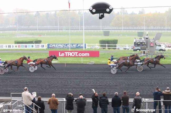 lundi 2 novembre vincennes 16 chevaux trot attelé meilleures cotes 7 10 13 1 15 4 5 6...arrivée 13 4 15 8 1