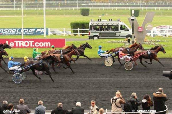 jeudi 12 novembre 2015 vincennes 14 chevaux 2100 mètres trot attelé autostart arrivée 9 4 2 13 5