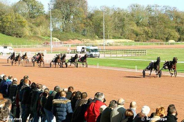 mercredi 18 novembre 2015 rouen-mauquenchy trot attelé 18 chevaux arrivée 2 6 3 18 16