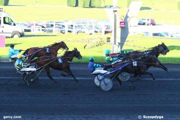 lundi 23 novembre 2015 vincennes trot attelé 18 chevaux grande piste arrivée 16 14 12 6 7