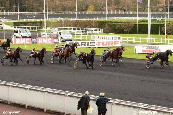 mercredi 25 novembre 2015 - vincennes trot attelé 18 chevaux 2700 mètres grande piste arrivée 3 5 7 12 14