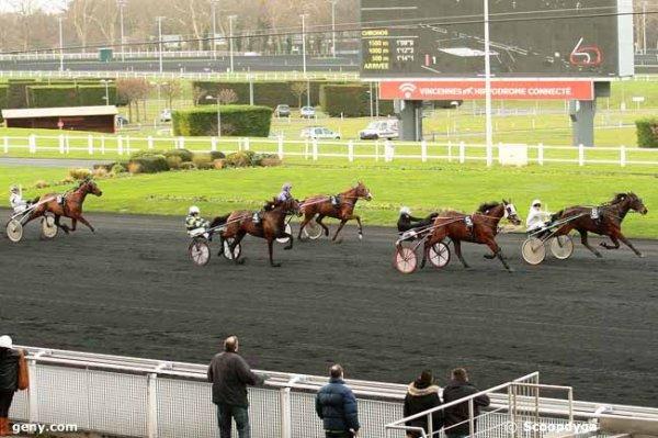 lundi 4 janvier 2016 vincennes 15 chevaux trot attelé résultat 8 5 4 3 10