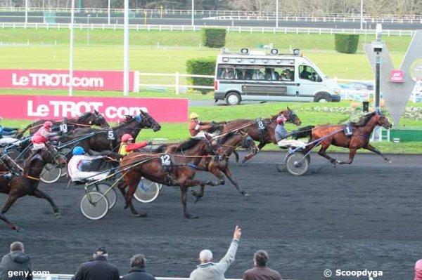 samedi 9 janvier 2016 vincennes - trot attelé départ à l'autostart 18 chevaux arrivée 1 8 6 12 5