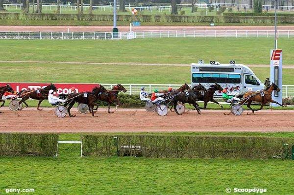 mercredi 2 mars 2016 a enghien trot attelé départ derrière lautostart 16 chevaux 2150 mètres arrivée 15 14 8 3 5