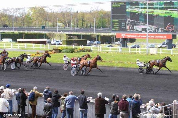 samedi 16 avril 2016 course de vincennes trot attelé avec 14 chevaux départ à 15h15 résultat 7 3 9 6 14