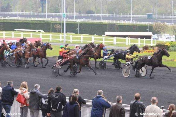 vendredi 22 avril 2016 un quinté de trot attelé à vincennes-nocturne à 19h47 avec 17 chevaux arrivée 15 17 4 16 13