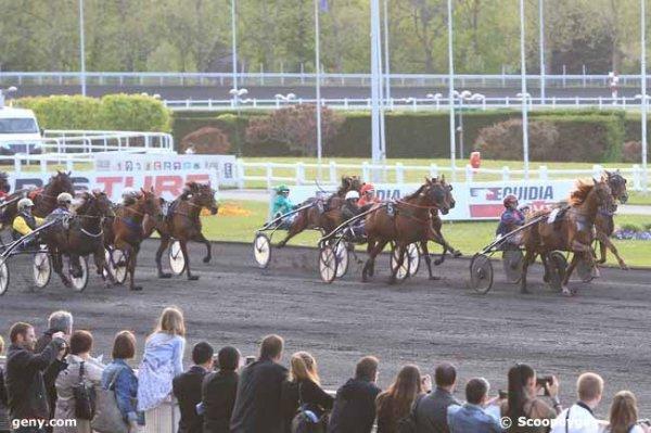 vendredi 6 mai 2016 vincennes nocturne 19h47 trot attelé 18 chevaux arrivée 8 12 5 3 6