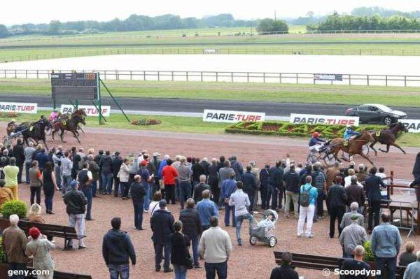 mercredi 25 mai 2016 -la capelle quinté de trot attelé 16 chevaux meilleures cotes 15 6 7 1 4...résultat 15 6 7 4 5