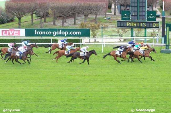mardi 28 mars 2017 un quinté de plat a saint-cloud 18 chevaux mon choix  18 7 14 12 11..arrivée 15 10 2 3 5