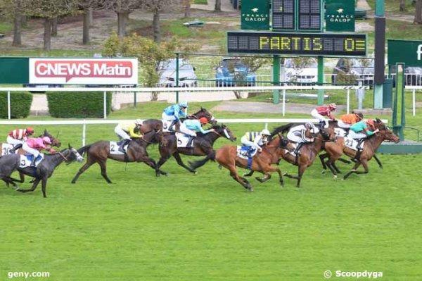 dimanche 2 avril 2017 à saint-cloud un quinté de plat avec 16 chevaux mon choix:  1 9 10 4 5...résultat  11 7 1 13 12 .