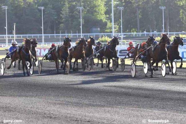 vendredi  16  juin  2017  vincennes  trot  attelée 16 chevaux mon choix  3 5 6 10 1....arrivée 3 13 8 5 12