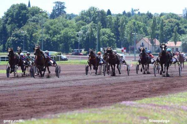 mercredi  5  juillet  2017  à  vichy  avec  15  chevaux  mon choix  5  1  8  7  6.....arrivée 6 9 11 8 10
