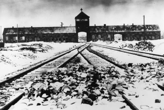 mais nos présidents d'aujourd'hui préfèrent au mur de berlin ceci ....  1989-2017